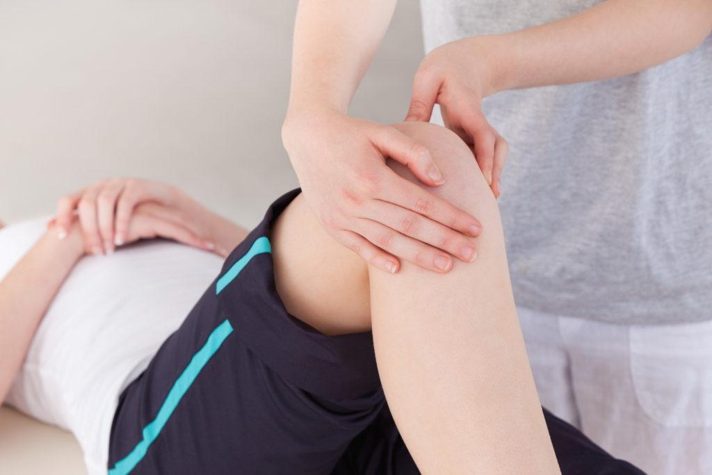 a térd szinovitisz kezelési rendje az idősek ízületeinek fájdalmától